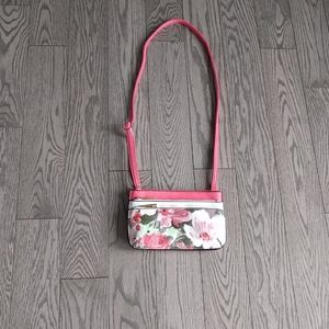 Beautiful floral crossbody bag by denverhayes